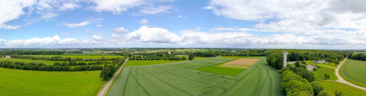 Photo aérienne panoramique par drone dans la campagne morbihannaise © FlyUpDrone