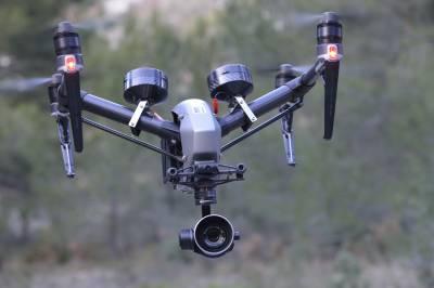 Drone Inspire 2 en vol équipés de ces parachutes DGAC S3